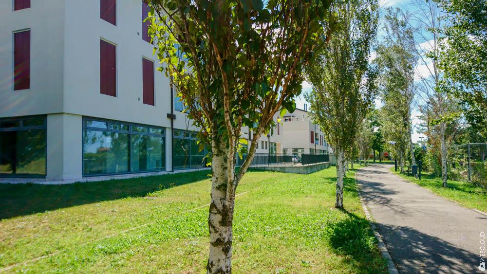 Uffici e negozi vetrinati in affitto vicino a bassano del for Appartamenti arredati affitto bassano del grappa